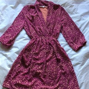 Dresses & Skirts - Magenta leopard print dress